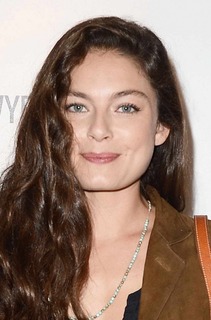 Alexa Davalos Height and Weight | Celebrity Weight