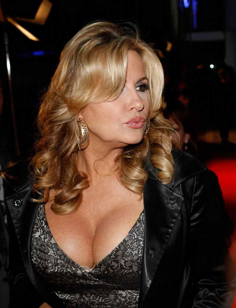 Jennifer Coolidge Height And Weight Celebrity Weight