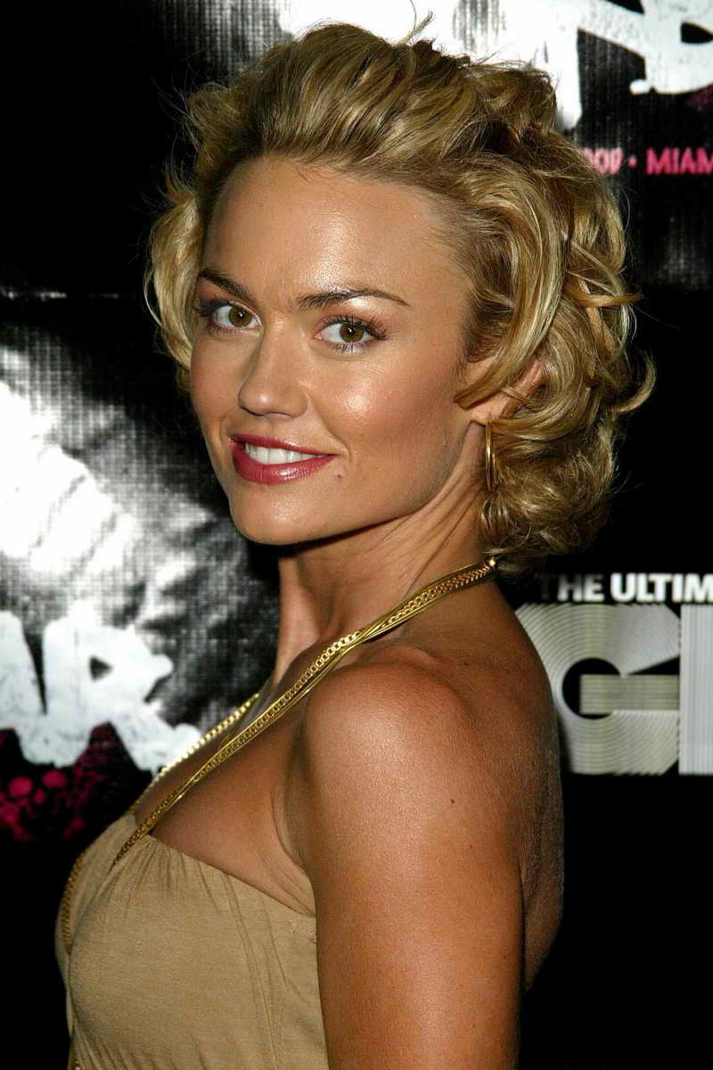 Kelly Carlson Height And Weight Celebrity Weight Page 3