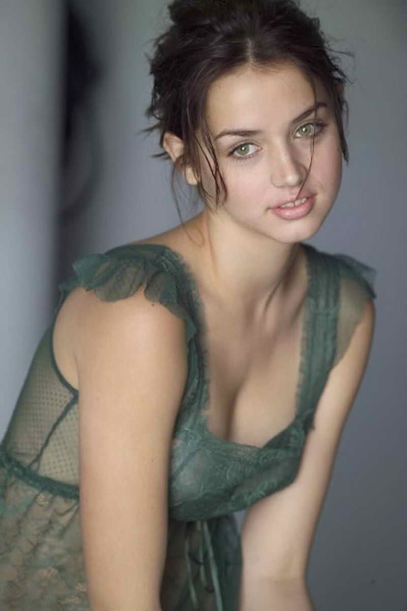 ana de armas height and weight celebrity weight page 3
