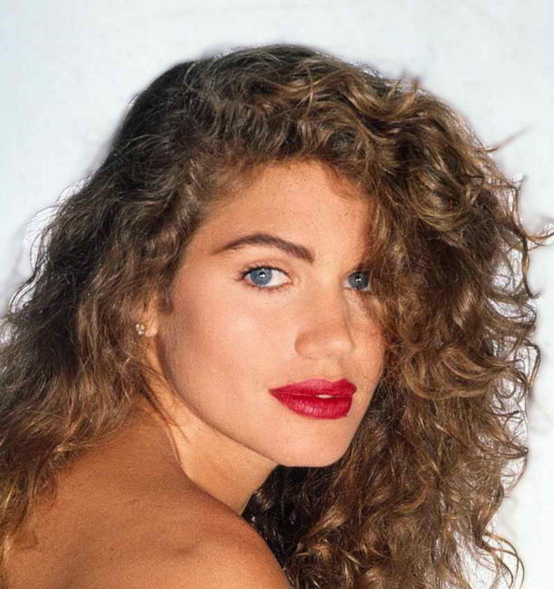 Paula Barbieri Height and Weight-1