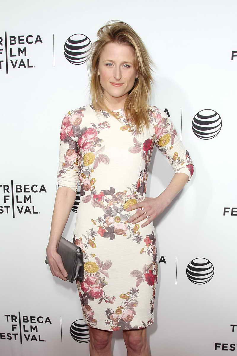 Mamie Gummer Height and Weight-3