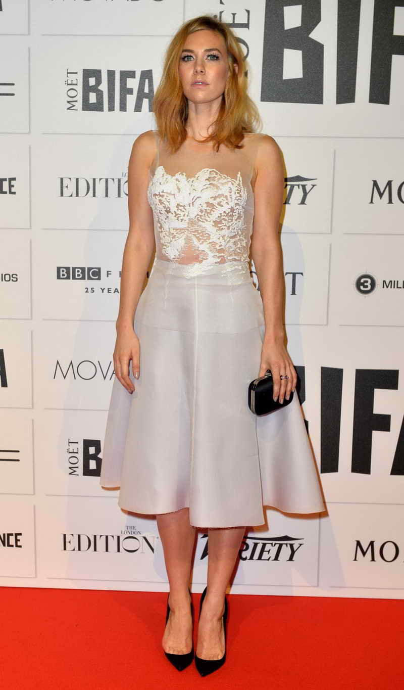 Vanessa Kirby Height and Weight-1