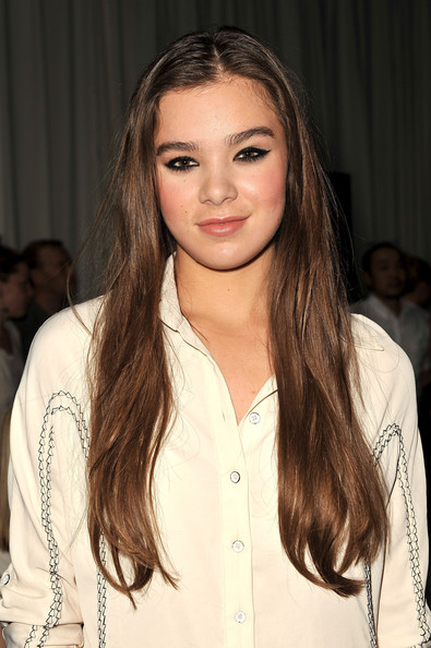 Hailee Steinfeld Height and Weight | Celebrity Weight