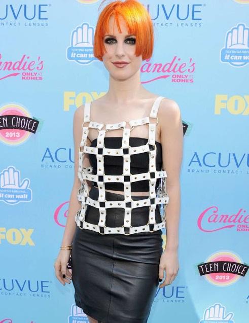 hayley williams height weight body statistics 3 - Top 10 Celebrity Endorsements