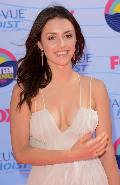 Kathryn McCormick Height and Weight | Celebrity Weight ...